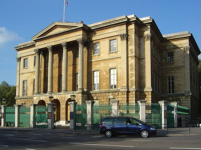 800px-Apsley_House_1